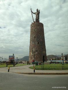 El Monumento Pachacutec se sienta en una rotonda en la Avenida del Sol , Cusco , Perú . El monumento es en realidad un museo de la torre dedicada a este gran Inca Pachacutec Yupanqui , un emperador que construyó Cusco y amplió el agarre incas en el valle sagrado que rodea