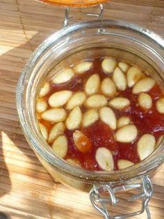 Tomaten Marmelade mit Mandeln