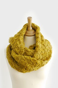 Pin of the Day 4.27.13: Mikan Snood pattern by Kyoko Nakayoshi / loving this in a thick-and-thin yarn, as seen paired on our Tumblog.