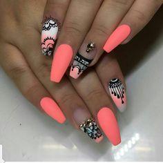 Nail crush