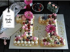 One of the NEW Cake Trends: The Numbers' Cake! So einfach geht der Kuchentrend – Number Cake / Letter Cake – Zahlenkuchen Marzipan Creme, Cake Lettering, 1st Birthday Cake Topper, Black Forest Cake, Number Cakes, New Cake, Cake Trends, Rustic Cake, Food Cakes