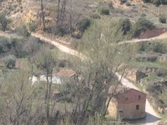 os dejo la foto del molino y la cuesta del río camino a la Plana, donde nos esperan las olivas