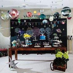 Festa super bacana com tema divertido: Aliens em um Picnic no Espaço, por…