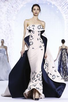 Ralph & Russo Couture S.S 2016Posted by tiled