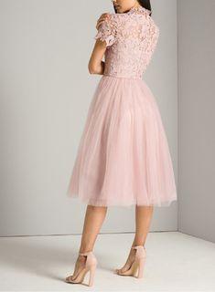 Easy Fashion Tips .Easy Fashion Tips Blush Dresses, Spring Dresses, Modest Dresses, Simple Dresses, Dress Brukat, Tulle Dress, Skater Dress, Dress Shoes, Shoes Heels