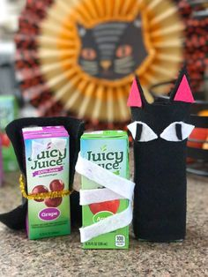 Get ready to have a boo-tastic time with these Juicy Juice Halloween Craft ideas! They're perfect for any Halloween party! #ad #juicyjuicecrew #familytime