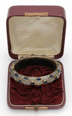 Russischer Jugendstil Saphir-Diamantarmreif Moskau. Um 1900. Gelbgold, teilw. mit Silber verbödet,