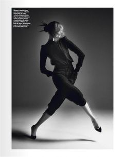 karlie kloss photo shoot7 Karlie Kloss Works It for David Sims in Vogue Paris Shoot