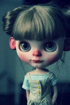 Jojo por Taradolls, Un Monde de Poupées en Flickr.  These dolls freak me out!