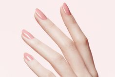 Have a love-hate relationship with gel nail polish? The pros: The polish is super shiny and lasts for weeks—there's no annoying chips regardless of how many dishes you do. The cons: The dreaded removal process takes time and can seriously wreck your nails. We asked celebrity nail expert, Tracylee (@luxebytracylee), for her advice on taking off gel polish at home.