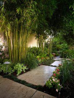 gartengestaltung ideen gartenweg mit gartenpflanzen