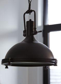 ATELIER Bouclair, Chic industriel - Industrial chic. Découvrez la nouvelle collection de meubles de Bouclair Maison - Bouclair Home introduces its new furniture collection.