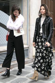 Classic, Button-Down Shirts Were A Popular Layering Piece in.- Classic, Button-Down Shirts Were A Popular Layering Piece in Paris Over the Weekend Fall transition: maxi skirt, whisper thin turtleneck, leather jacket & booties - Fashion 2017, Look Fashion, Skirt Fashion, Trendy Fashion, Fashion Outfits, Paris Fashion, Emo Outfits, Lolita Fashion, Street Style Rock