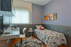 pared revestida con cuero en la habitación moderna para adolescente