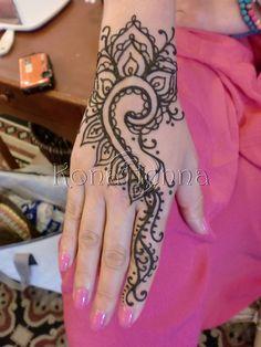Organic Henna Products.  Professional Henna Studio. KonaHenna.com #kona #konahenna #konahennastudio #bigisland #bodyart #hawaii #henna #hennatattoo #hennabodyart #mehndi #mendhi #hennaart #temporarytattoo #tattoo #naturalhenna #organichenna