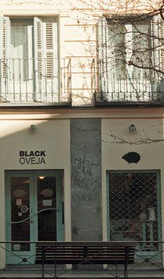 BLACK OVEJA c/ Sagasta 7 Madrid (Metro Bilbao) Horario 12-14  17-21 (cierra en verano)