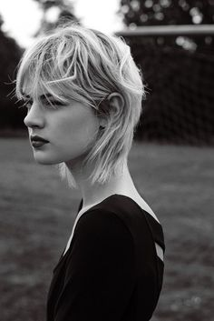 Celine Bouly by Markus Pritzi for Edited the label grunge romance Grunge Hair Bouly Celine Edited grunge label Markus Pritzi Romance Mullet Haircut, Mullet Hairstyle, Hairstyle Short, Hairstyles With Bangs, Cool Hairstyles, Haircuts, Medium Hair Styles, Curly Hair Styles, Great Hair