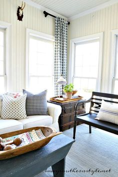 Broad-minded earned country style home decor southern living Country Furniture, Country Decor, Modern Country, French Country, Country Farmhouse, Diy Living Room Decor, Home Decor, Living Rooms, Country Kitchen Flooring