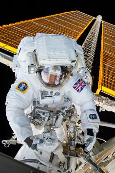 ESA astronaut Tim Peake seen during his first spacewalk. Peake and NASA astronaut Tim Kopra conducted a spacewalk on January 15 2016 and successfully replaced a failed voltage regulator that caused a loss of power to one of the stations eight power channels in November 2015. [3280 x 4928] http://ift.tt/2EL70tn