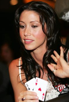 Elizabeth Shannon is an American actress, former fashion model and poker player. #poker #babes