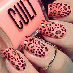 Animal Printed Adorable Glitter Nails #glitternails #naildesigns
