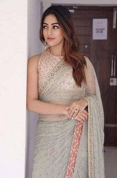 How to Select the Best Modern Saree for You? Saree Blouse Patterns, Saree Blouse Designs, Sari Blouse, Sleeveless Blouse, Fancy Sarees, Party Wear Sarees, Lehenga, Anarkali, Sarees For Girls