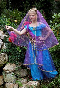 Items similar to Jasmine Overskirt Embroidered Gold Venetian Lace on Etsy Costume Aladdin, Genie Costume, Doll Costume, Costume Jasmine Enfants, Jasmine Costume Kids, Witch Costumes, Cute Costumes, Halloween Costumes, Arabian Princess Costume