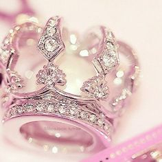 A pink crown for my Chantelle. ❤ | ❤ Pink & Silver ~ Chantelle ❤)