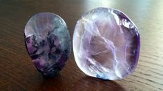 """Флюорит """"An effective crystal to overcome any form of disorganization, Fluorite draws off negative energies and stress, incorporating structure into daily life. It purifies and reorganizes anything within the physical or subtle bodies that is not in perfect order, and cleanses and stabilizes the aura. It brings stability to groups, linking them into a common purpose. Fluorite discerns when outside influences are at work and shuts off psychic manipulation and undue mental influence."""