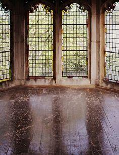 Windows/Ventanas: Ventanales. Vidrio repartido. Antiguo. Iluminación natural.