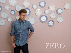 Camisa y Pantalón: American Apparel Calzado Zara Styling Ro García Grooming: Julio César León Foto: David Paniagua Locación: Linneo
