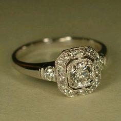 Bague de mariage : RESERVED: Art Deco Inspired Wedding Ring (Platinum and White Gold) - Flashmode Belgium Art Deco Schmuck, Bijoux Art Deco, Pretty Rings, Beautiful Rings, Unique Rings, Vintage Rings, Vintage Jewelry, Vintage Art, Antique Art