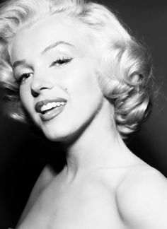 Marilyn Monroe classic short cut✖️Thanks To My  15,000 Followers ✖️ - Fosterginger @ Pinterest ✖️