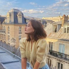French Girl Style, French Girls, French Chic, Summer Aesthetic, Aesthetic Photo, Estilo Gigi Hadid, Style Français, Photographie Portrait Inspiration, Parisienne Chic