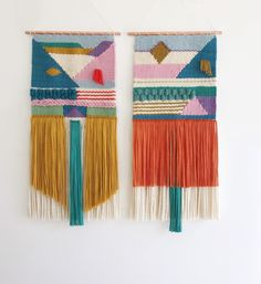 Weaving Designs, Weaving Projects, Weaving Patterns, Macrame Patterns, Weaving Loom Diy, Weaving Art, Tapestry Weaving, Weaving Wall Hanging, Vintage Candy