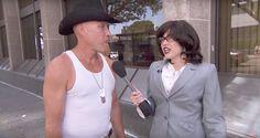 Sabías que Miley Cyrus se disfraza de reportera y la acaban troleando