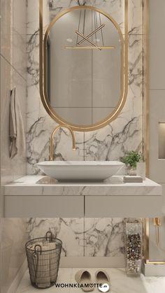 Mit den richtigen Badbeleuchtungs-Ideen lässt sich der Wohlfühlfaktor gleich verdoppeln. Dabei ist es wichtig, dass Du die perfekte Kombi aus praktischen Badleuchten für die alltäglichen Schönheitsprozeduren und stimmungsvollen Lichtquellen zum Entspannen findest. Wir zeigen Dir, was zu beachten ist. Bad Inspiration, Bathroom Inspiration, Bathroom Ideas, Bathroom Designs, Bathroom Pictures, Budget Bathroom, Bathroom Hacks, Bathroom Design Luxury, Modern Small Bathroom Design