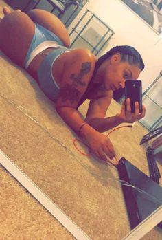 Selfie Black Girls, Black Women, Nice Bikinis, Black Goddess, Hot Selfies, Woman Crush, Female Bodies, Girl Tattoos, Beautiful Women