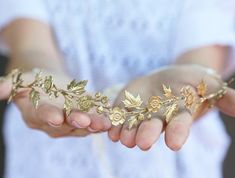 This stunning golden crown. | 21 Beautiful Wildflower Products You Need In Your Life