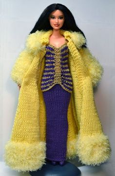 Coat - this site has numerous outfits for Barbie in KNIT - beautiful outfit above. Sewing Barbie Clothes, Barbie Clothes Patterns, Crochet Doll Clothes, Girl Doll Clothes, Clothing Patterns, Barbie Outfits, Barbie Dress, Barbie Knitting Patterns, Barbie Mode