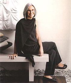 eileen fisher, 63 Mature woman and her hair Style And Grace, My Style, Look Fashion, Fashion Design, Aged To Perfection, Advanced Style, Ageless Beauty, Going Gray, Aging Gracefully