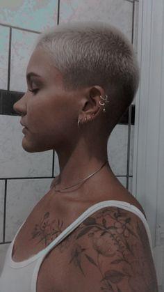 Buzz Haircut, Pixie Haircut, Beauty Skin, Hair Beauty, Buzzed Hair, Shaved Heads, Bald Girl, Short Curls, Ideal Beauty