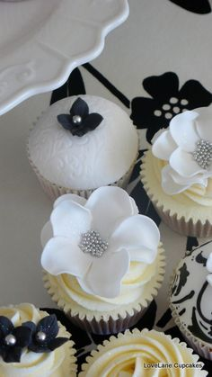Fabulous Adult Birthday Cupcakes!