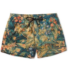 Stand out at the pool, on the beach or just in your own back garden with MR PORTER's collection of designer men's swimwear for the discerning gentleman. Nautical Outfits, Nautical Fashion, Mens Swim Shorts, Men's Shorts, Bermuda Short, Moda Casual, Man Swimming, Swim Trunks, Menswear