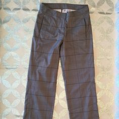 "Maggie Lane Women's Pants Maggie Lane Women's Plaid Pant versatile plaid of Maggie Lane Pant makes them perfect active pants on or off the course. The combination fabric has stretch for comfort • Flat front for slimming look • 2 side zipper pockets & back pockets • 30"" inseam 14"" waist • Grey pants with dark grey pinstripe plaid pattern. perfect condition. Great pair of everyday pants Maggie Lane Pants Straight Leg"