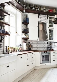 white kitchen + open shelves