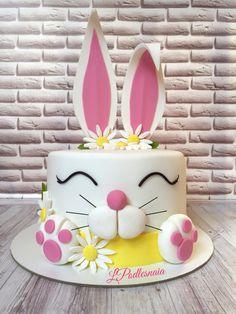 Cake Decorating With Fondant, Birthday Cake Decorating, Gravity Cake, Easter Bunny Cake, 50th Cake, Make Up Cake, Animal Cakes, Cake Pictures, Novelty Cakes