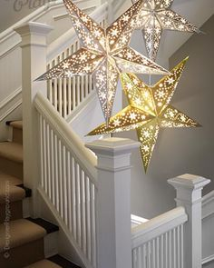 Paper Star Gleamy Night in Gold Paper Star Lights, Paper Star Lanterns, Lanterns Decor, Paper Stars, Light Decorations, Christmas Decorations, Diy Crafts To Sell, Fun Crafts, Paper Crafts