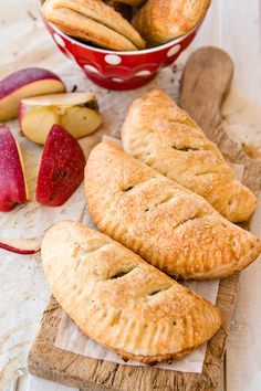 These hand pies are phenomenal. They are soft and crunchy at the same time and with a tasteful filling out of apples and biscuit. #handpies #crunchy #soft #apple