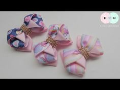 Laço Formoso 🎀 Ribbon Bow Tutorial DIY 🎀 by Elysia Handmade Diy Hair Bows, Ribbon Hair Bows, Diy Ribbon, Bow Hair Clips, Ribbon Bow Tutorial, Hair Bow Tutorial, Barrette, Baby Tiara, Boutique Hair Bows